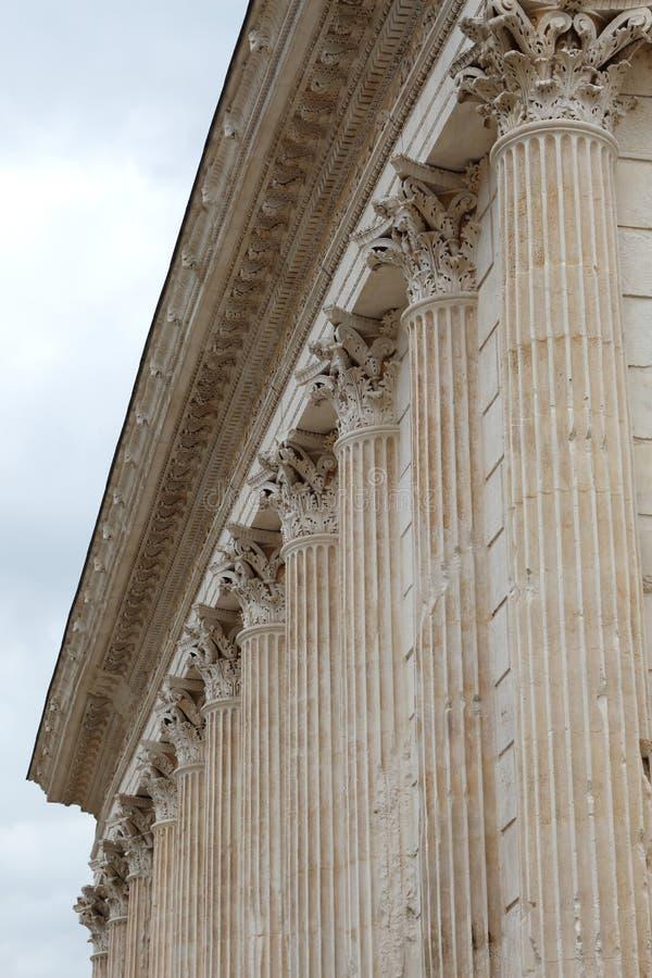 Roman Temple Maison Carrée in Nîmes, Frankrijk stock foto's