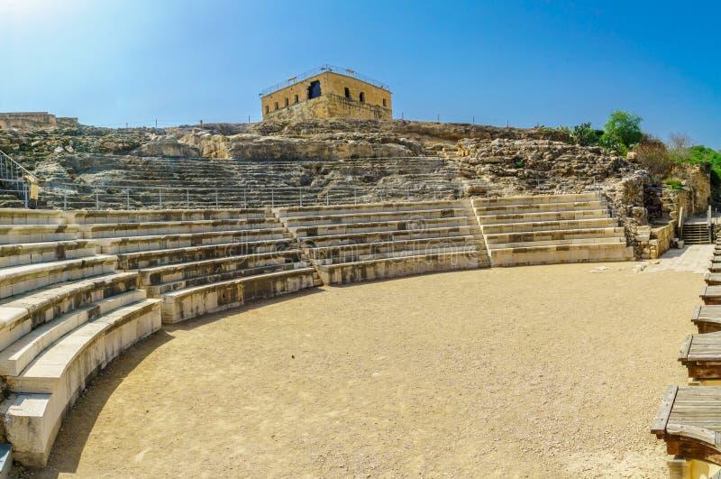 Roman Theater e o castelo do cruzado, parque nacional de Tzipori Sepphoris imagem de stock royalty free