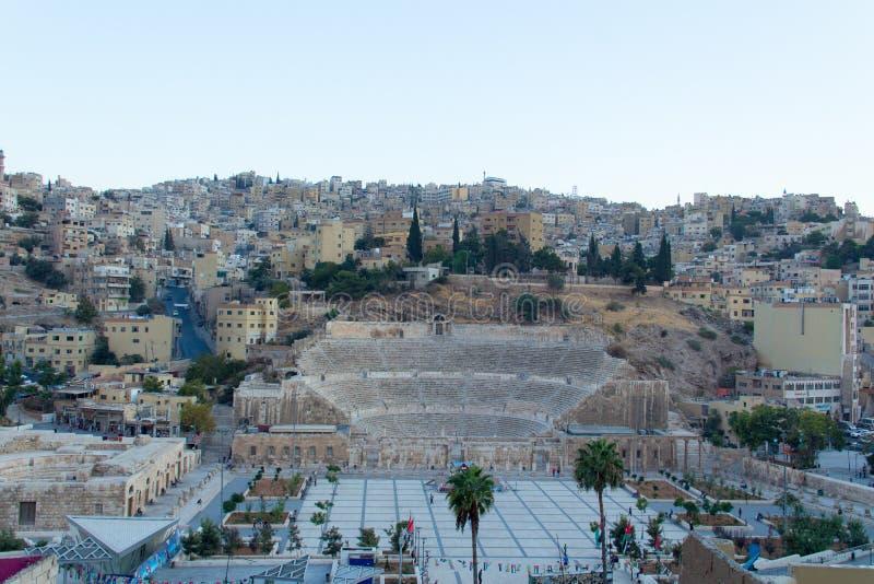 Roman Theatre in Amman bij zonsondergang royalty-vrije stock afbeeldingen