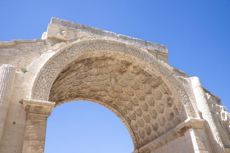Roman Triumphal-Bogen, Glanum, Heilig-Remy-De-Provence stockbild