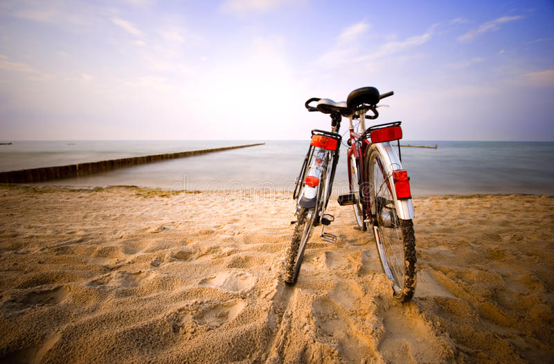 Romance на пляже стоковое изображение