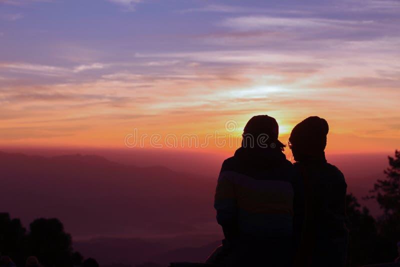 Romance au temps de coucher du soleil photographie stock