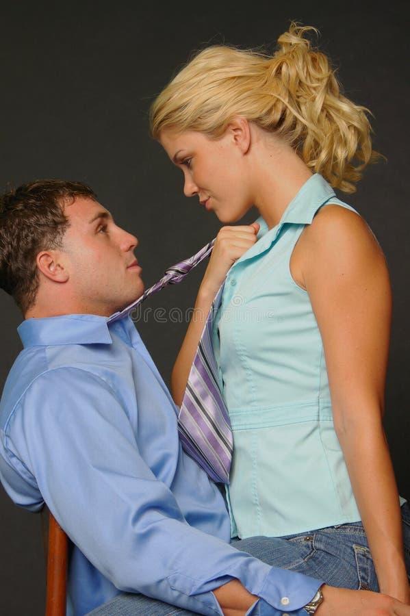 Romance do local de trabalho imagens de stock