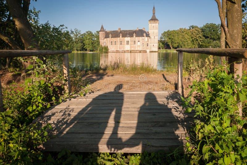 Romance und ein mittelalterliches Schloss lizenzfreies stockfoto