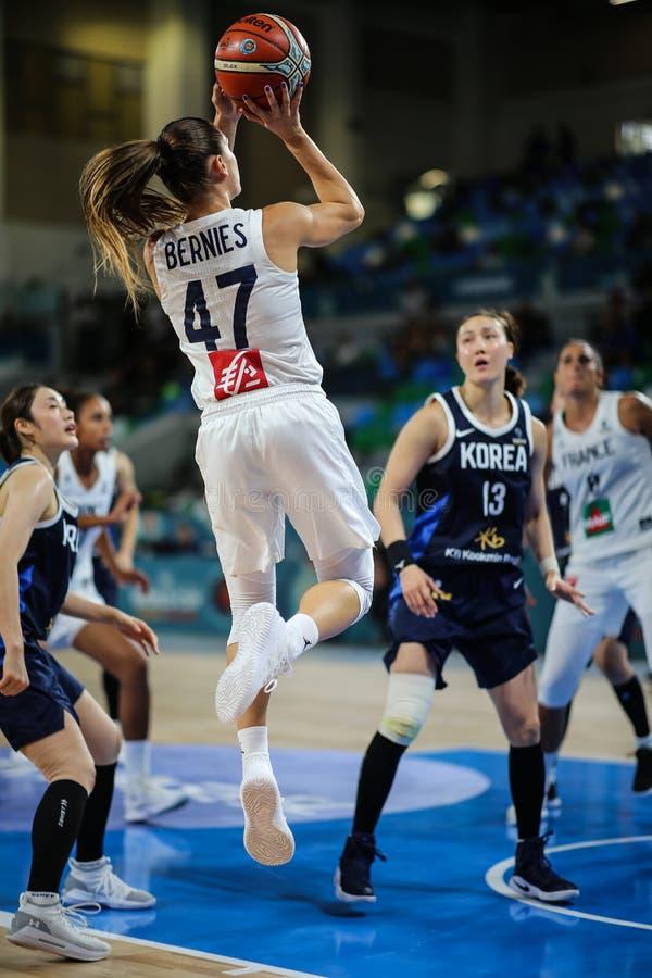 Romane Bernies στη δράση κατά τη διάρκεια της αντιστοιχίας ΚΟΡΕΑ καλαθοσφαίρισης εναντίον της ΓΑΛΛΙΑΣ στοκ φωτογραφία