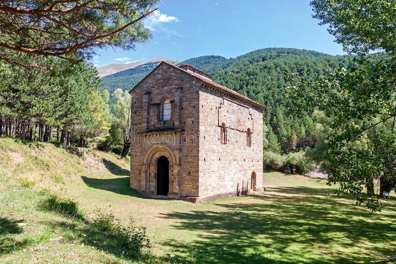 Romanesque εκκλησία στην Ισπανία στοκ φωτογραφία