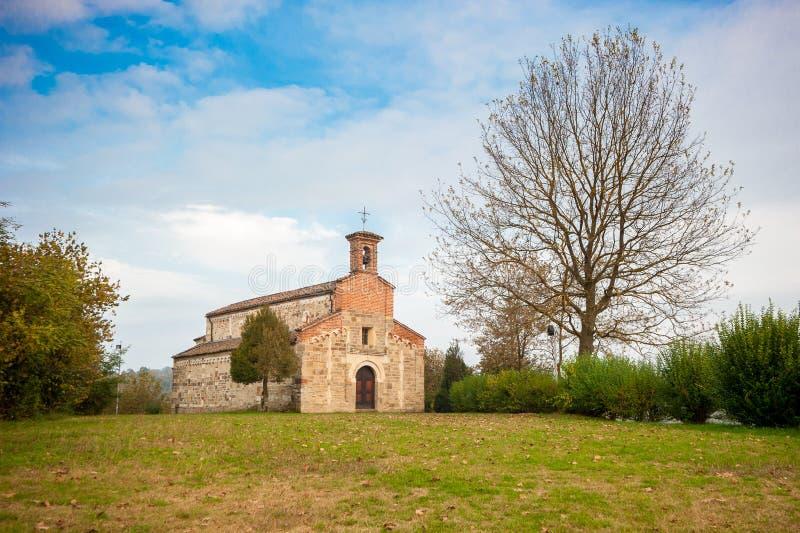 Romanic kościół święty Secondo w Cortazzone, Włochy obrazy stock