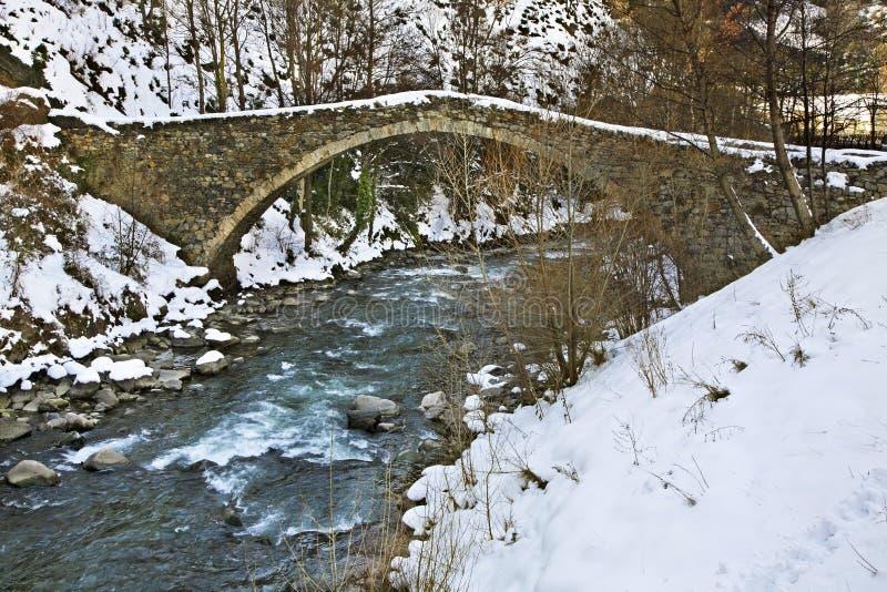 Romanische Brücke im La Margineda Fürstentum von Andorra lizenzfreies stockbild