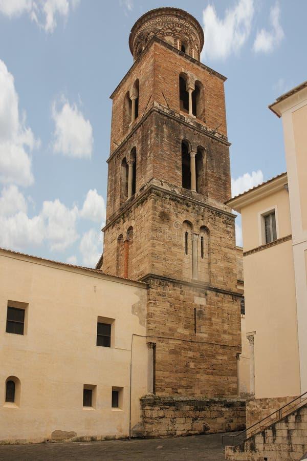 Romanischer Glockenturm Kathedrale, Salerno Italien stockbild