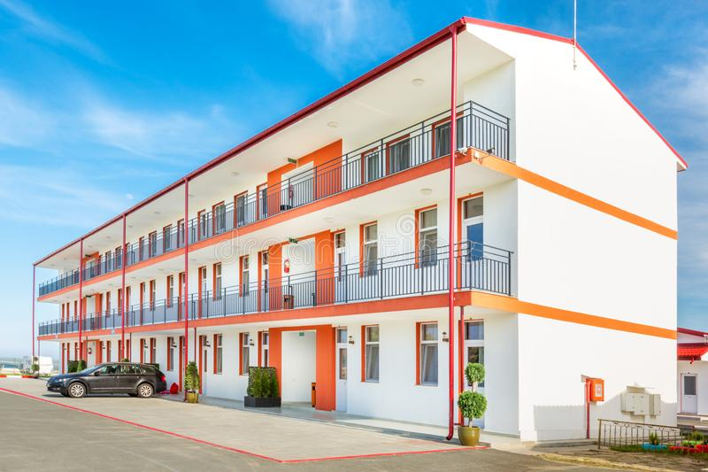 romannian黑海手段的付得起的旅馆 库存图片