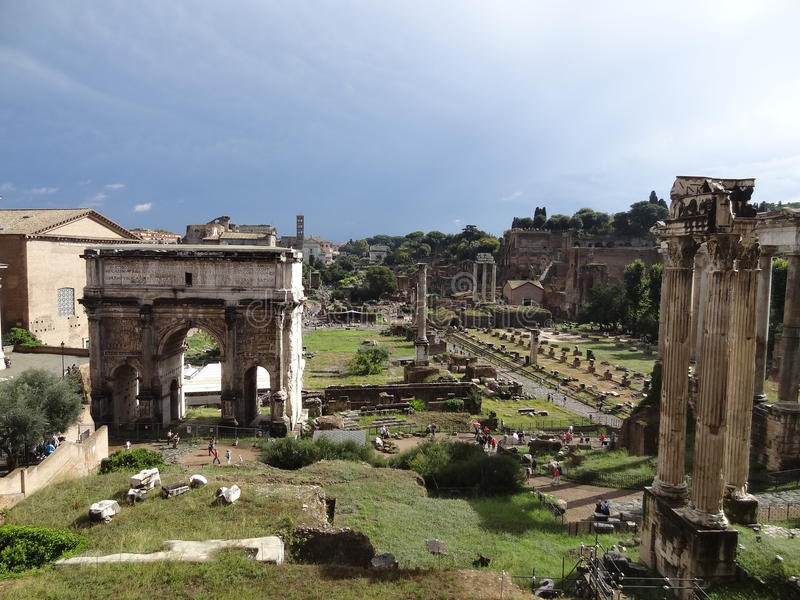 Romano de Foro en Roma, Italia fotografía de archivo libre de regalías