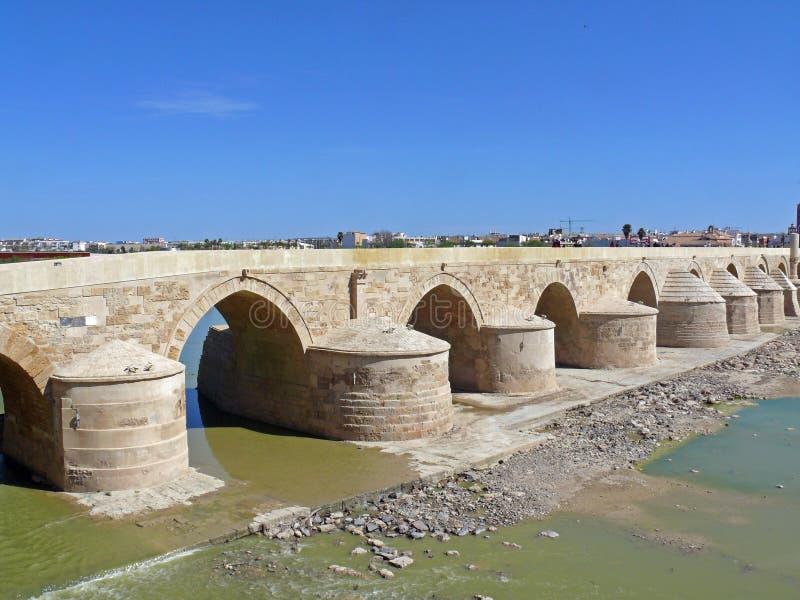 Romano de Puente em Córdova, Spain imagens de stock