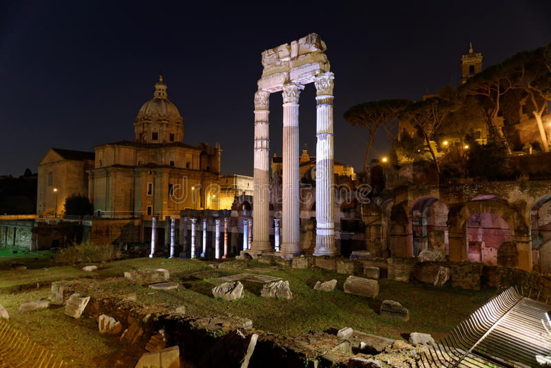 Romano di notte - Roma de Foro imagem de stock royalty free