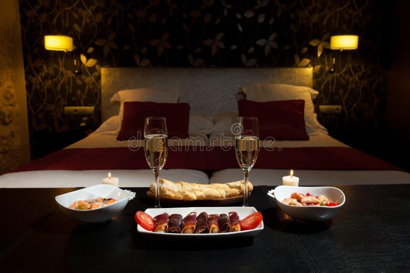 Romantic dinner in a luxurious hotel stock photo image for Platos para una cena romantica