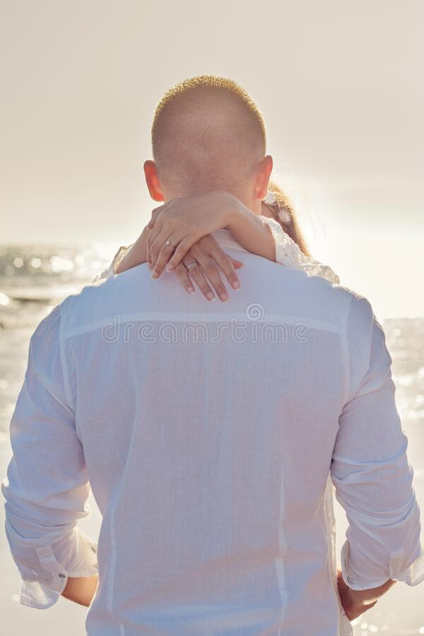 Romantic Newlywed Couple By The Sea Free Public Domain Cc0 Image