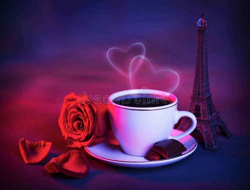 Romantiker snubblar till Frankrike arkivfoton