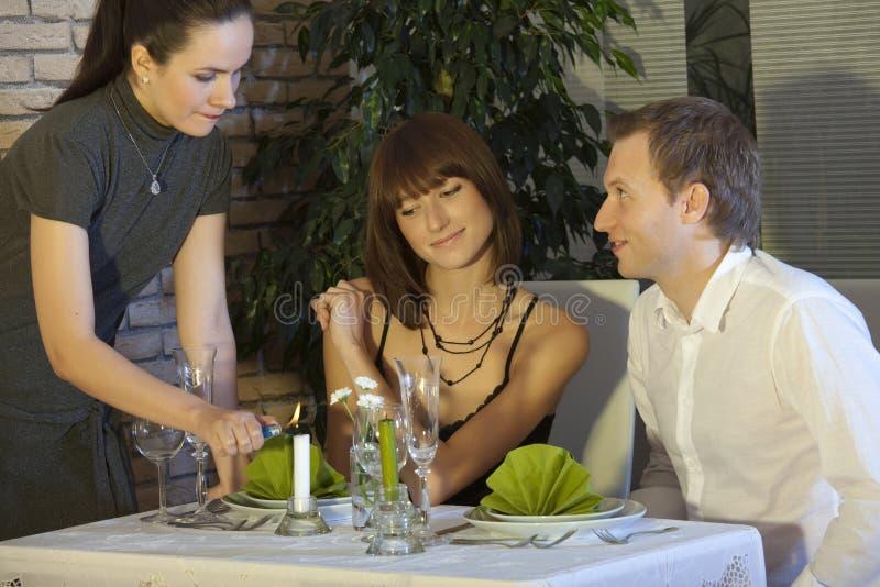 Romantisch diner in restaurant royalty-vrije stock fotografie