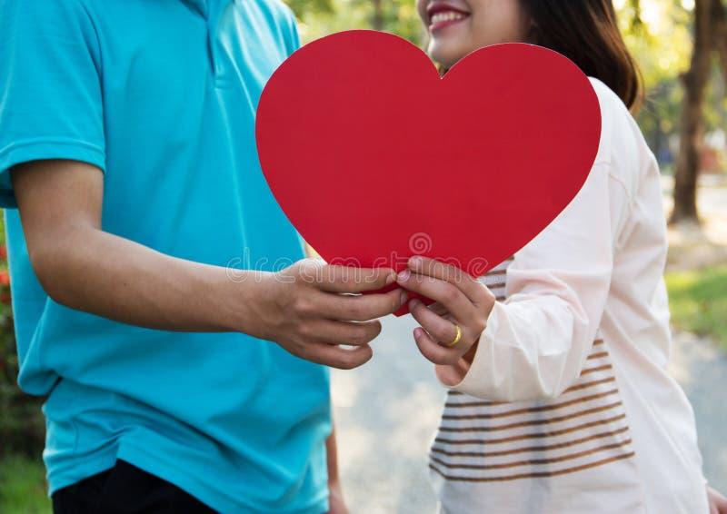 Romantisch jong paar in liefde royalty-vrije stock foto