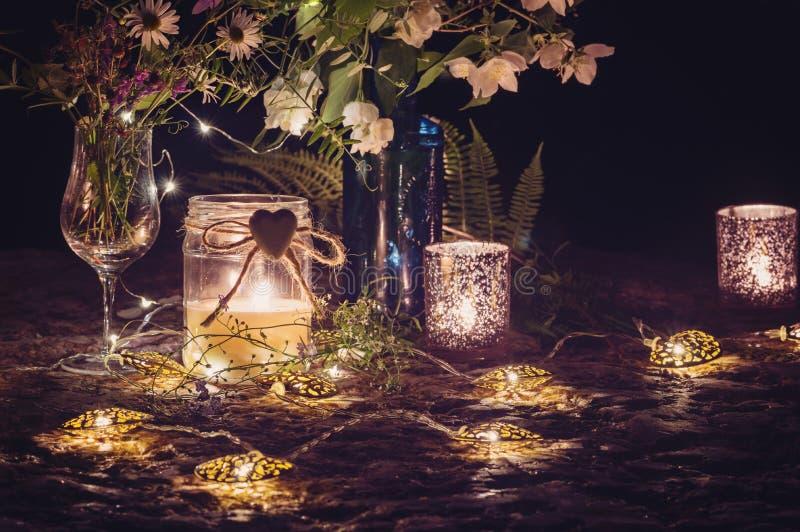 Romantisch stilleven met kaarslicht royalty-vrije stock foto
