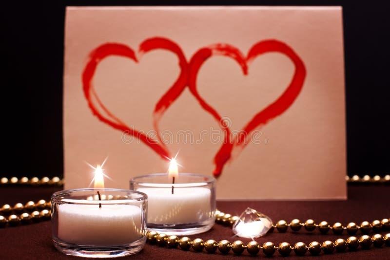 Romantische achtergrond met geschilderde harten stock foto
