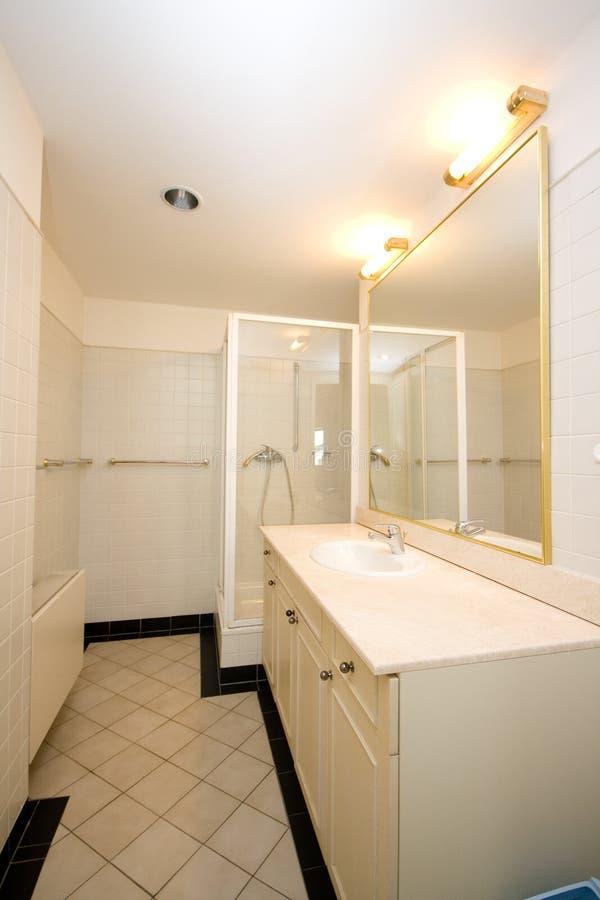 Romantische badkamers stock foto. Afbeelding bestaande uit room ...