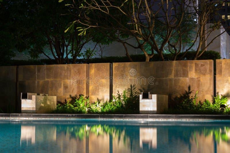 Romantische de verlichtings gietende schaduwen van de avondstemming op romantisch s royalty-vrije stock foto