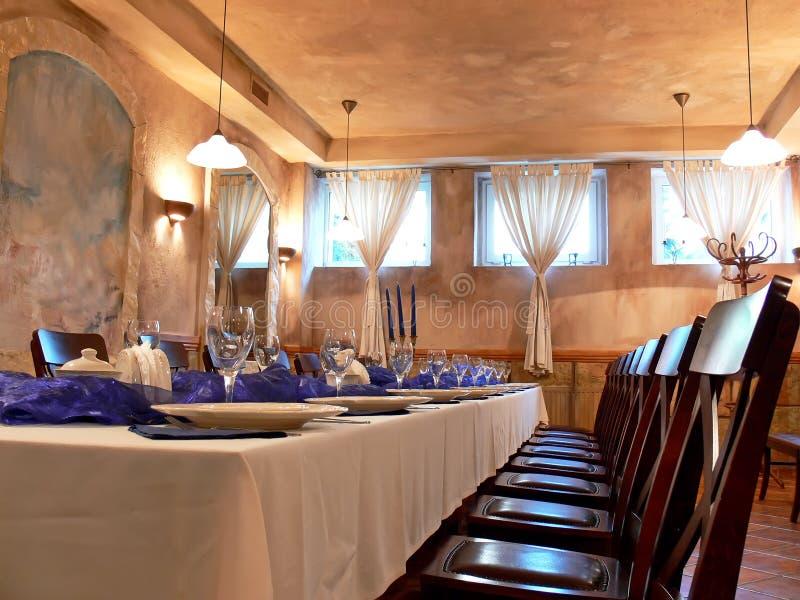 Romantische eetkamer stock afbeelding