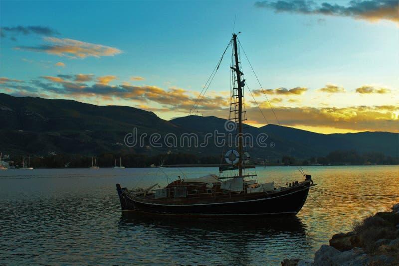 Romantische Küste in Griechenland stockfoto