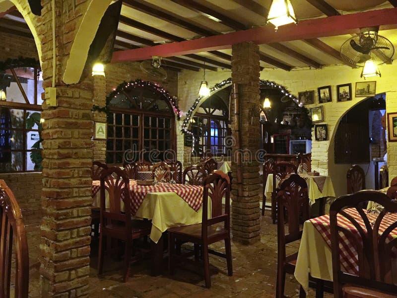 Romantische Kerstmis bij Italiaans Restaurant royalty-vrije stock foto's
