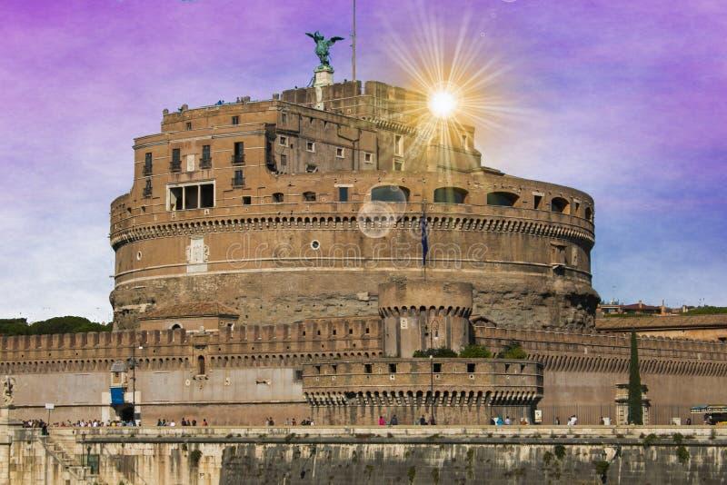 Romantische mening van Castel Sant ` Angelo bij zonsopgang, Rome stock afbeeldingen