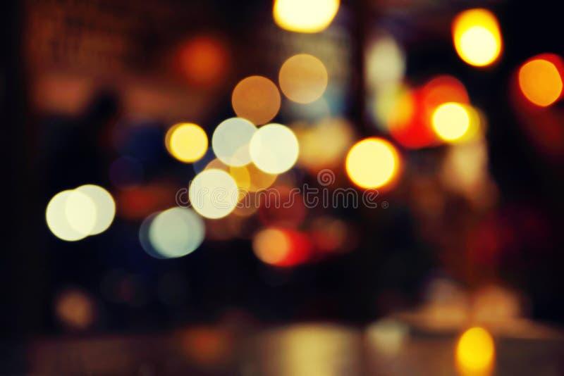 Romantische Nacht in einem Café stockbilder