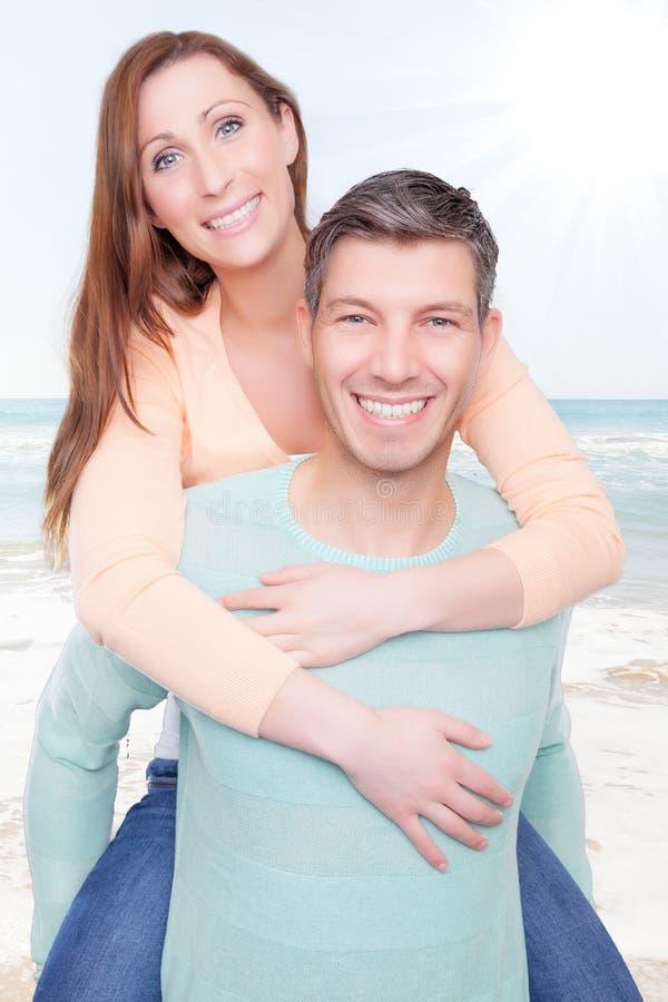Romantische Paare stockfotografie