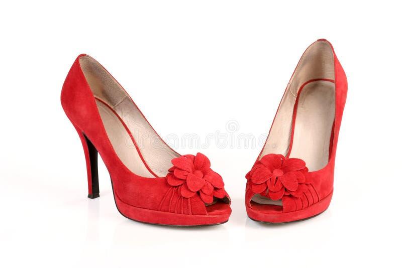 Romantische rode schoenen royalty-vrije stock afbeelding