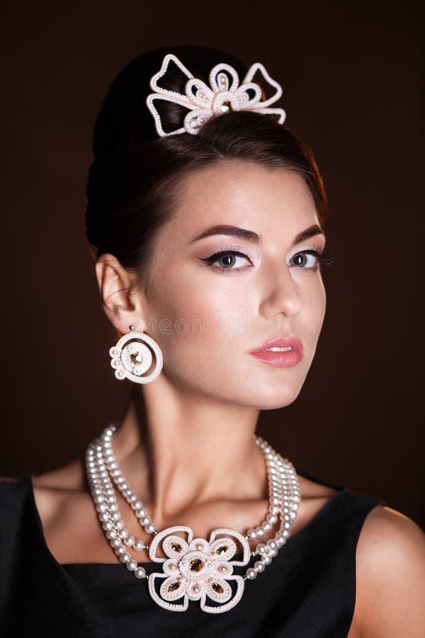 Romantische Schoonheid Retro stijl Retro portret van de vrouw stock foto's