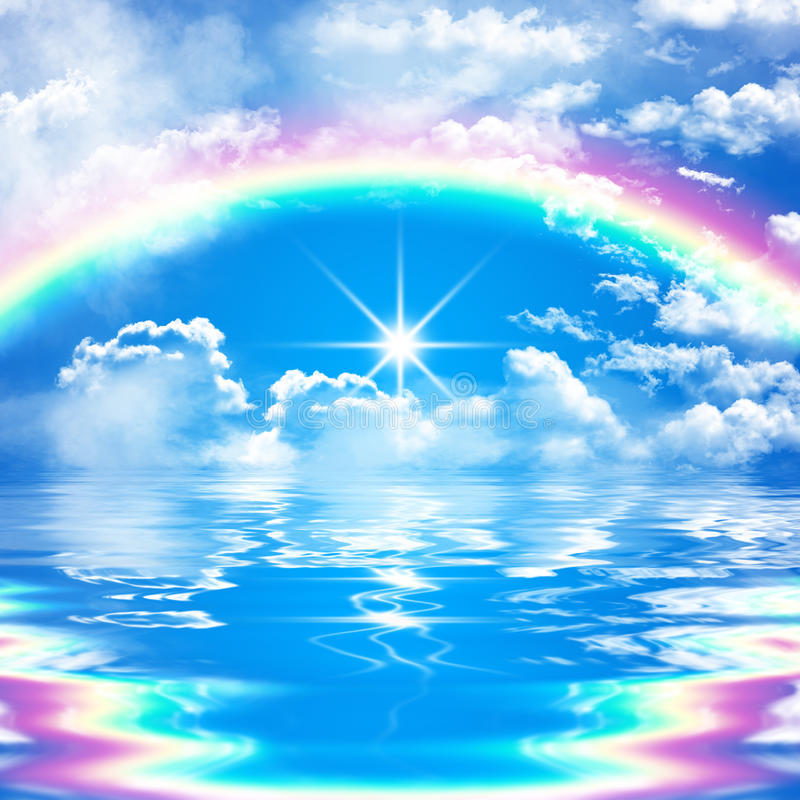 Romantische und ruhige Meerblickszene mit Regenbogen auf bewölktem blauem Himmel vektor abbildung