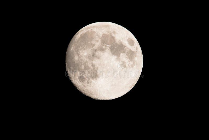 Romantische volle maan in de nachthemel stock afbeelding