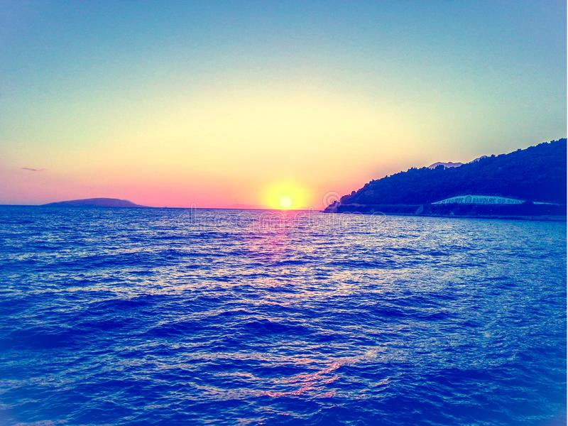 Romantische zonsondergang in Kroatië royalty-vrije stock afbeelding