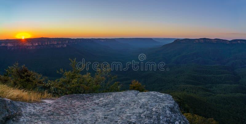 Romantische zonsopgang op subliem punt, blauwe bergen, Australië 4 royalty-vrije stock afbeeldingen