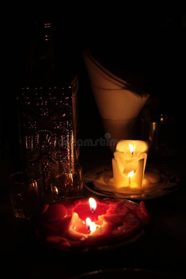 romantischer abend mit kerzen stockbild bild von warm getr nke 13446017. Black Bedroom Furniture Sets. Home Design Ideas