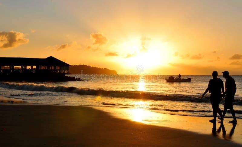 Romantischer Sonnenuntergang lizenzfreie stockfotos