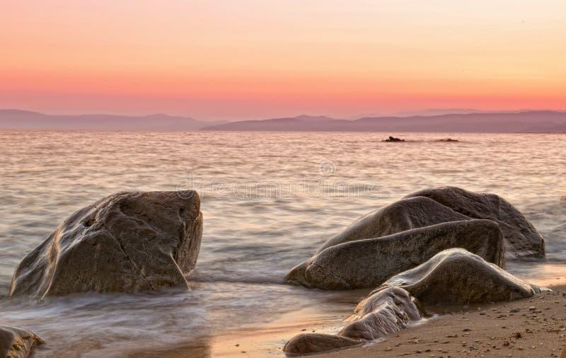 Romantischer Sonnenuntergang in Griechenland lizenzfreie abbildung