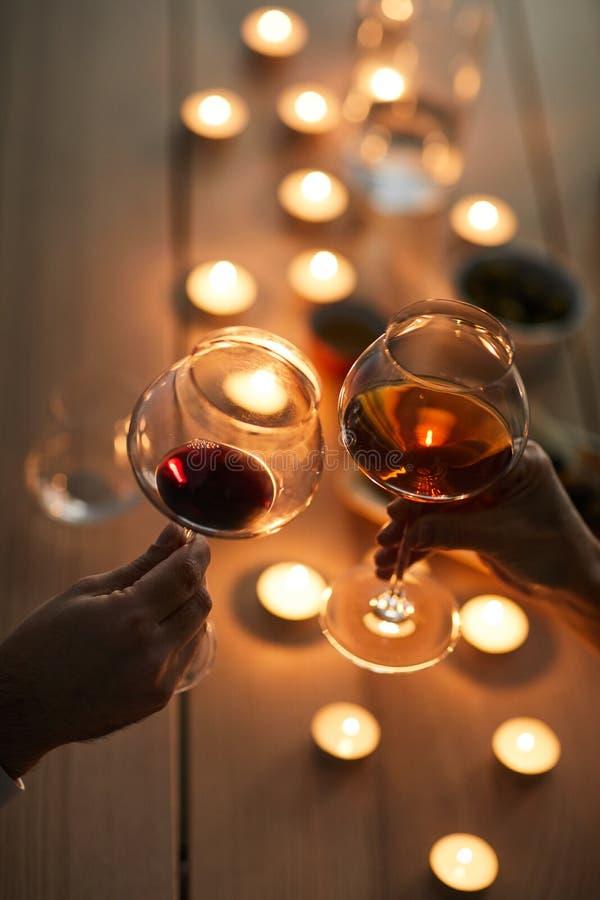 Romantisches Datum mit Wein stockbild