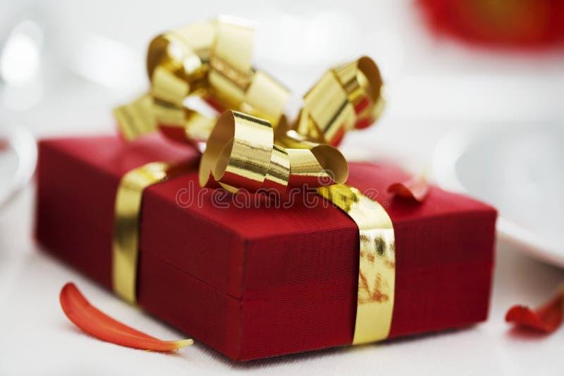 Romantisches Geschenk lizenzfreie stockfotos