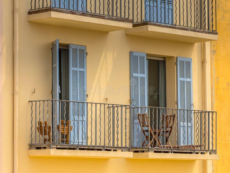 Romantisk hotellbalkong royaltyfria foton