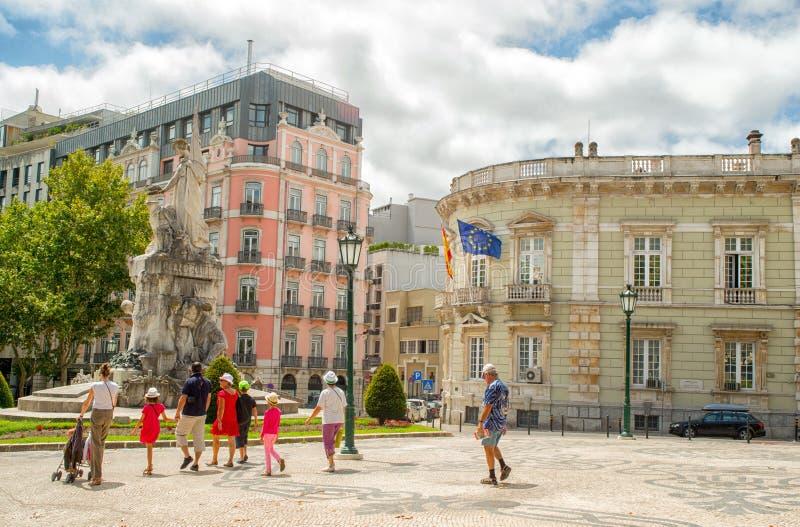 Romantisk Lissabon gata royaltyfria bilder