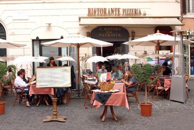 Romantisk restaurang Rome Italien royaltyfria foton
