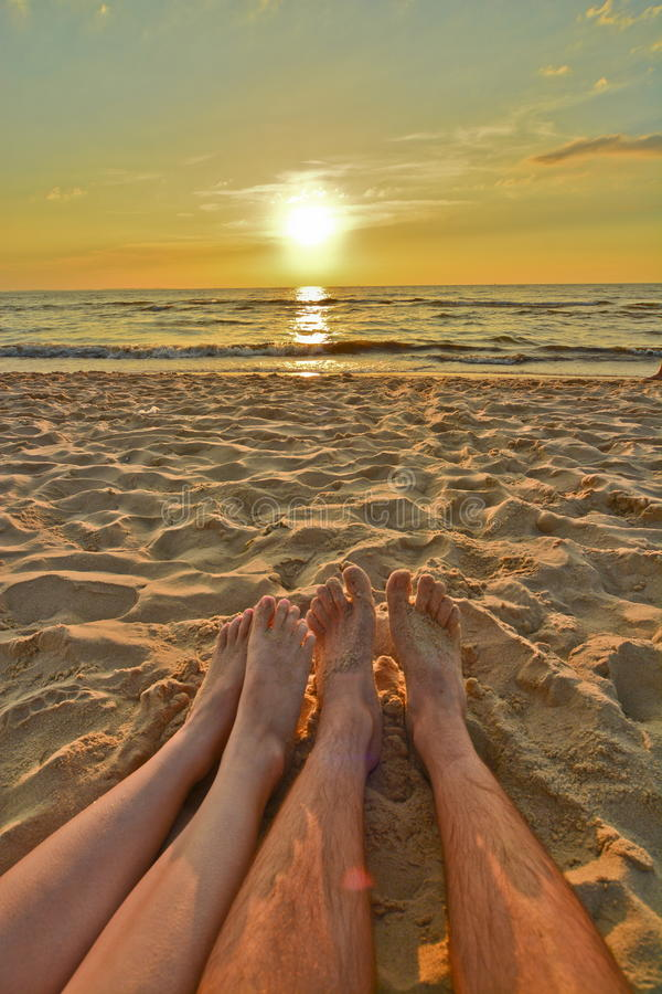 Romantisk solnedgång vid det baltiskt royaltyfri fotografi