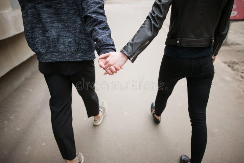 Romantiska förälskelsepar Förhållandebegrepp arkivfoton