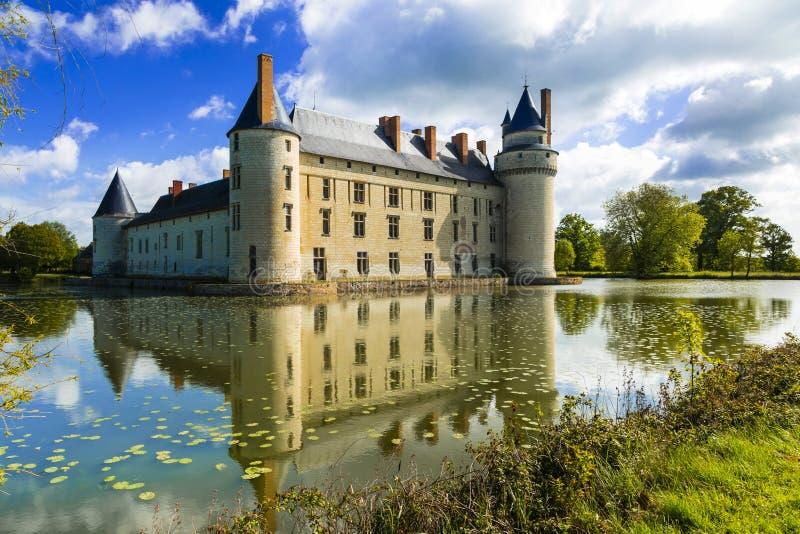 Romantiska medeltida slottar av Loire Valley - h?rliga Le Plessis-Bourre, Frankrike royaltyfri fotografi