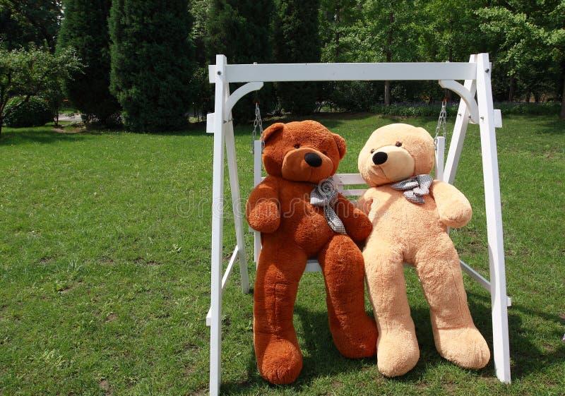 Romantiska nalle-björnar royaltyfria bilder